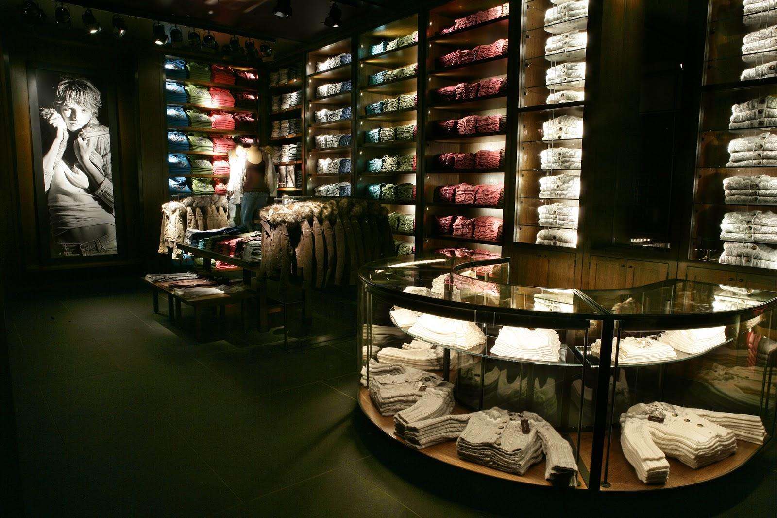 Ejemplo Merchandising: Abercrombie Shop